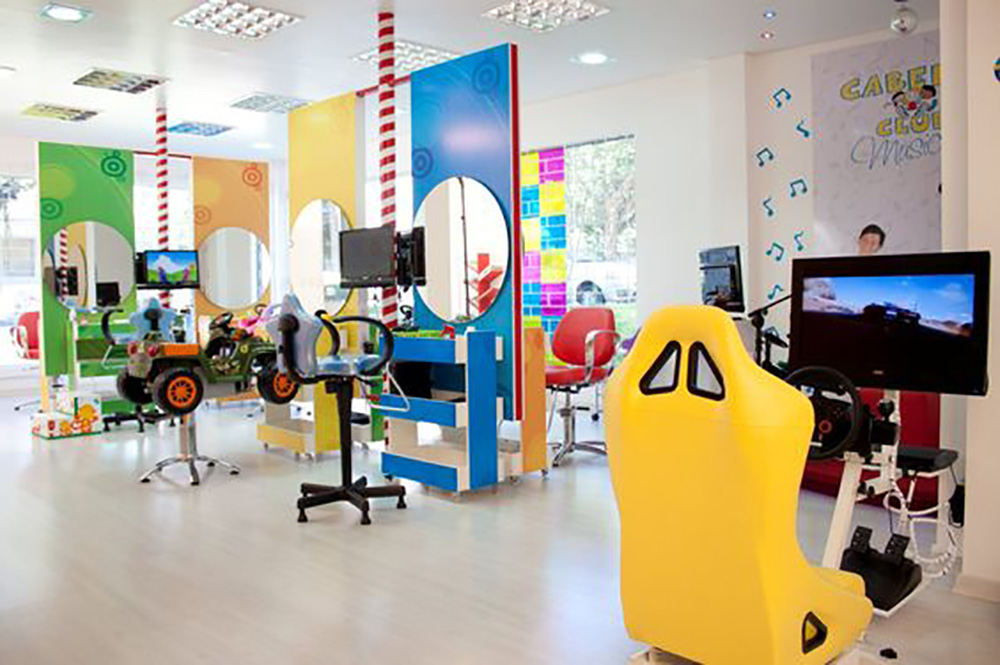 C mo dise ar y decorar una peluquer a para ni os children 39 s spaces - Decorar una peluqueria ...